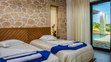 villas-in-arillas-corfu-details-bedroom-2